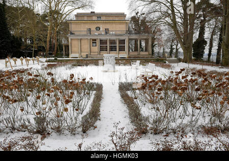 Berlin, Germany. 11th Jan, 2017. The House of the Wannsee Conference Memorial and Educational Site, in Berlin, Germany, 11 January 2017. The 75th anniversary of the Wannsee Conference is on 20 January 2017. In 1942, National Socialist government officials and SS leaders held a meeting to organise the holocaust in detail, presided over by SS-Obergruppenfuehrer Reinhard Heydrich. Photo: Britta Pedersen/dpa-Zentralbild/dpa/Alamy Live News
