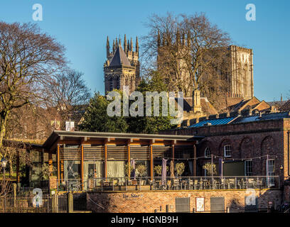 The Star Inn The City restaurant in York with York Minster in background. - Stock Photo