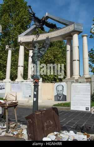 Monument Hungarian Victims of the Nazis - Stock Photo