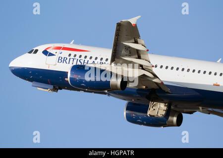 British Airways Airbus A319-131 departing from Dusseldorf airport. - Stock Photo