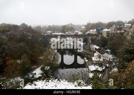 Knaresborough in North Yorkshire is covered with a blanket of snow and ice after heavy snowfall overnight. The Met - Stock Photo