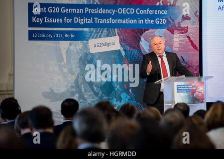 Berlin, Deutschland. 12th Jan, 2017. Der Staatssekretär des Bundesministerium für Wirtschaft und Energie Matthias - Stock Photo