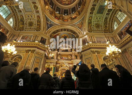 St Petersburg, Russia. 12th Jan, 2017. People in St Isaac's Cathedral. © Alexander Demianchuk/TASS/Alamy Live News - Stock Photo