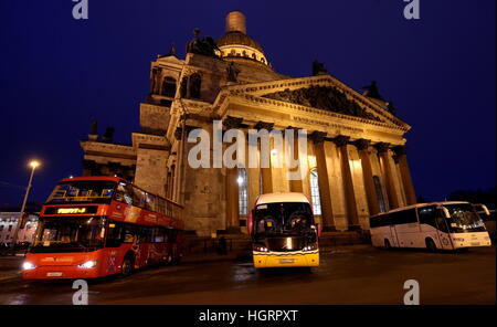 St Petersburg, Russia. 12th Jan, 2017. Tourist buses by St Isaac's Cathedral. © Alexander Demianchuk/TASS/Alamy - Stock Photo