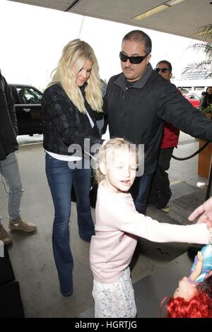 Los Angeles, Ca, USA. 12th Jan, 2017. Jessica Simpson and Eric Johnson seen with their children, Maxwell and Ace - Stock Photo