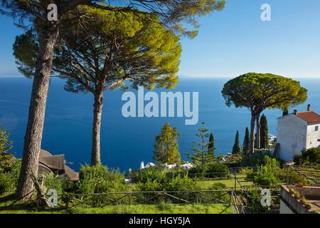 Garden of Villa Rufolo over looking the Amalfi Coast and the Gulf of Salerno, Ravello, Campania, Italy - Stock Photo