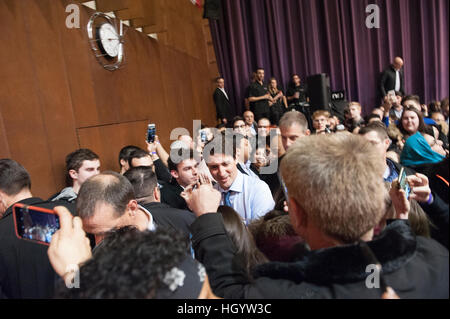 London, Ontario, Canada, 13th January, 2017. Justin Trudeau, Prime Minister of Canada, leaving a town hall Q&A in - Stock Photo
