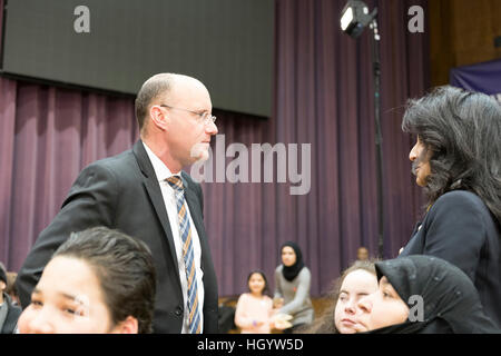 London, Ontario, Canada, 13th January, 2017. Matt Brown, mayor of London, Ontario, talks to members of the audience - Stock Photo