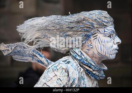 Human Statue performer on Royal Mile during Edinburgh Festival Fringe. - Stock Photo