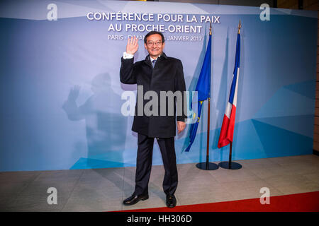 Paris, France. 15th Jan, 2017. Chinese Vice Foreign Minister Zhang Ming poses for a photo before the Middle East - Stock Photo