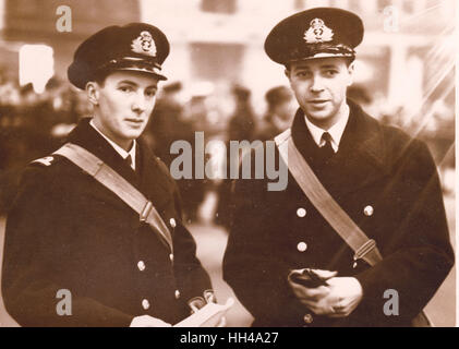 Midshipman Robert W Don of HMS Exeter and Archibald Cameron of HMS Exeter Received DSC for gallantry in the Graf Spee action pic Stock Photo