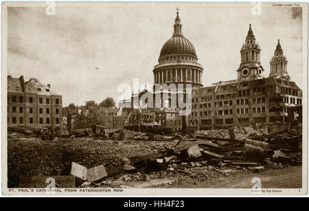 WW2 - London Under Fire. St Paul's Cathedral seen from Paternoster Row - extensive bomb damage. - Stock Photo