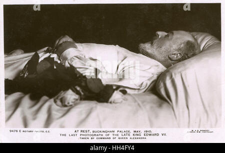 King Edward VII (1841-1910) on his death bed in May 1910. Death-bed photographs were common on the Continent but - Stock Photo