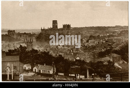 Durham, County Durham, North East England - view from Wharton Park above the Railway Station toward the city, dominated - Stock Photo