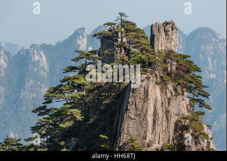 Huangshan Mountain Range Anhui Province China Scenic