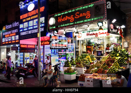 Street Food Night Market Ho Chi Minh City Center (HCMC) Saigon ( dizzying high octane city of trade commerce and - Stock Photo