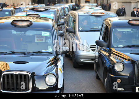 Bank, London, UK. 17th Jan, 2017. Black cab drivers stage a demo in Bank over plans to ban cars and cabs from the - Stock Photo