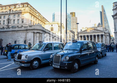 London, UK. 17th Jan, 2017. Hundreds of black cab taxi drivers stage a protest, in the heart of the City of London, - Stock Photo