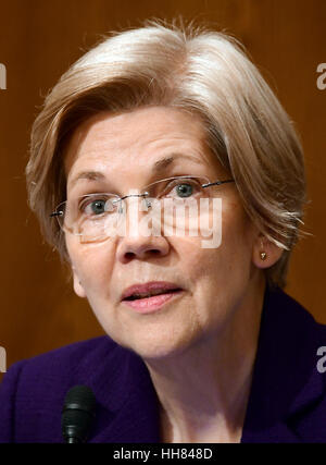 Washington, USA. 17th January, 2017. US Senator Elizabeth Warren (Democrat of Massachusetts) a member of the US - Stock Photo