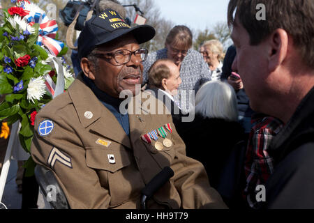 African-American veteran honored WWII memorial on 2016 Memorial Day - Washington, DC USA - Stock Photo