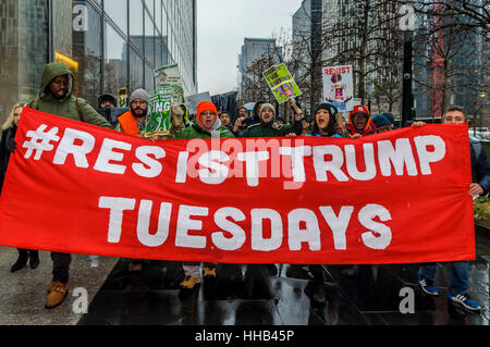 New York, USA. 17th Jan, 2017. Hundreds of activists, low-and middle income communities of color, foreclosed victims - Stock Photo