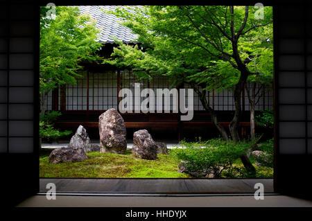 Inner moss garden, Kennin-ji temple, Kyoto, Japan - Stock Photo
