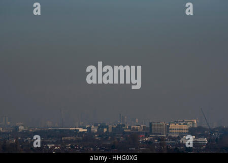 London, UK. 19th Jan, 2017. A thick layer of 'toxic' smog is seen hanging over central London, blown in from continental - Stock Photo