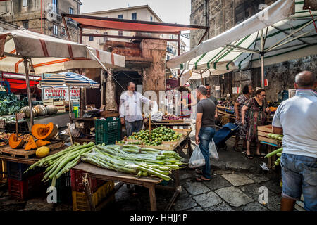 Vegetable stall in the Ballaro Market, Palermo, Sicily - Stock Photo