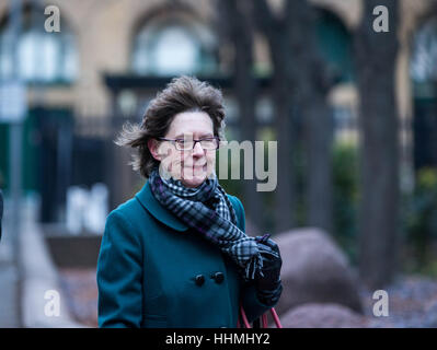 Jenny Harris, Rolf Harris's niece arrives at Southwark Crown Court to listen to new allegations about Rolf. - Stock Photo