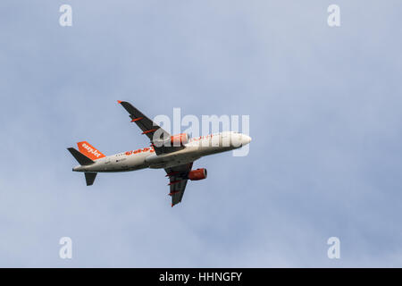 Easyjet Airbus g-ezup A320-214 in air near Gatwick - Stock Photo