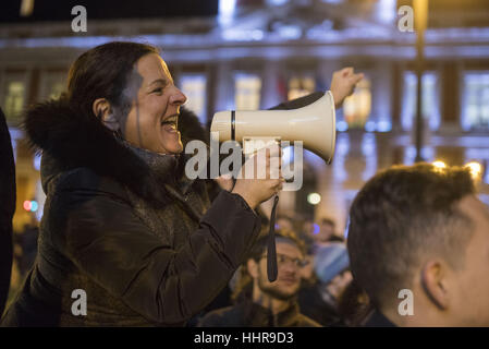 Madrid, Spain. 20th Jan, 2017. Americans and members of the international community march and rally in Madrid, Spain - Stock Photo