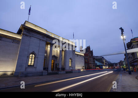 The City Hall building and the Rotor Blade artwork installed for Hull City of Culture 2017 - Stock Photo