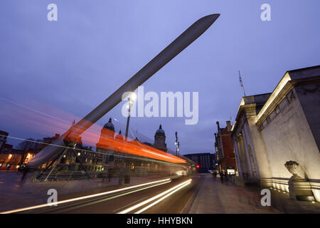 The Ferens Art Gallery and Maritime Museum alongside the Rotor Blade artwork installed for Hull City of Culture - Stock Photo