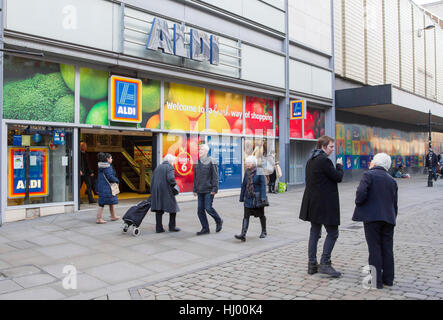 Aldi Superstore in Piccadilly, Manchester, UK - Stock Photo