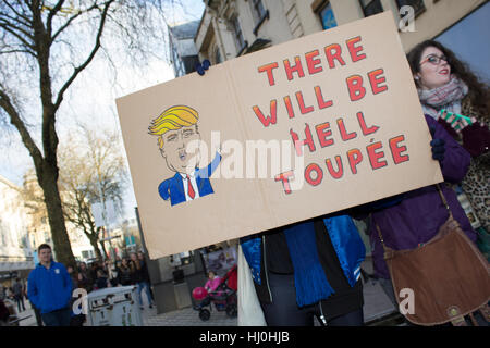 Cardiff, Wales. 21st Jan, 2017. Protesters taking part in the Women's March on Queen Street, as part of a movement - Stock Photo