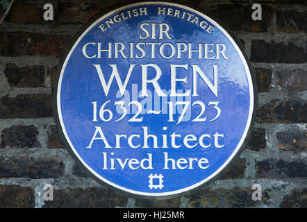 English Heritage Blue Plaque at the Hampton Court home / house of SIR CHRISTOPHER WREN (1632-1723) Hampton Court - Stock Photo