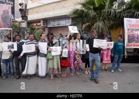Kolkata, India. 22nd Jan, 2017. Tamil community of Kolkata protest to lift the ban on Jallikattu permanently, also - Stock Photo