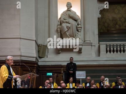 Paris, France. 26th Jan, 2017. German President Joachim Gauck speaks in the auditorium after receiving the medal - Stock Photo
