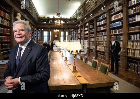 Paris, France. 26th Jan, 2017. The German president Joachim Gauck during a visit to the Academie Francaise in Paris, - Stock Photo