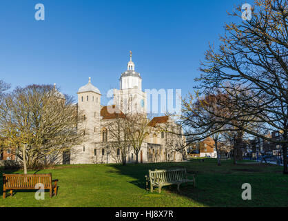 Portsmouth Cathedral, Church of St Thomas, Portsmouth, Hampshire, southern England on a sunny day with a clear blue - Stock Photo