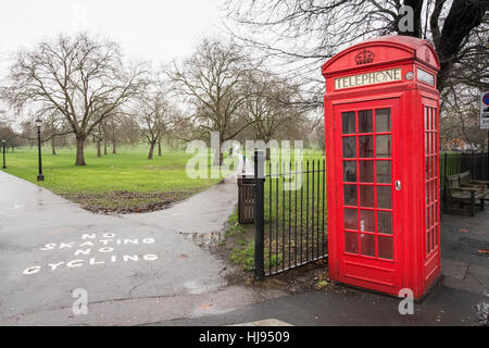 Primrose Hill, opposite Regent's Park and London Zoo, on a cloudy day in January. - Stock Photo