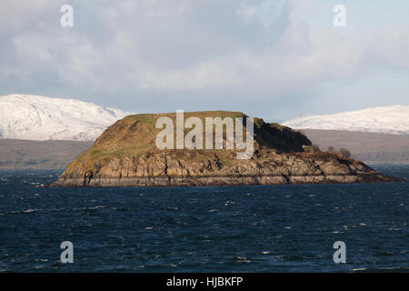 Town of Oban, Scotland. Picturesque view over Oban Bay with Maiden Island in the foreground. - Stock Photo