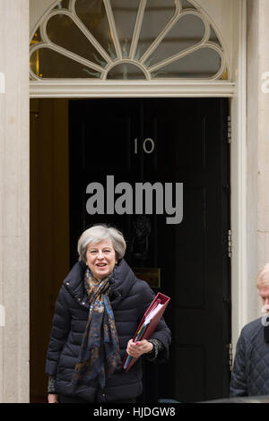 London, UK. 25th January, 2017. Theresa May, the British Prime Minister, leaving 10 Downing Street the official - Stock Photo