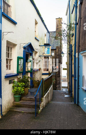 Narrow alley/passage in Tenby Wales United Kingdom. - Stock Photo
