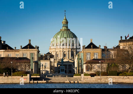 Denmark, Copenhagen, Frederiks Kirke, the Marble Church, through Amaliehaven Palace - Stock Photo