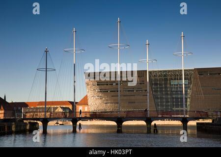 Denmark, Copenhagen, Christianshavn, Cirkelbroen bridge opposite The Royal Library, Det Kongelige Bibliotek - Stock Photo