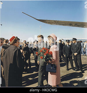 United States President John F. Kennedy and First Lady Jacqueline Kennedy arrive at Dallas, Texas, Love Field on - Stock Photo