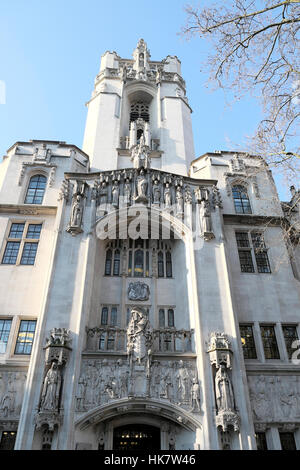Vertical facade with figures and frieze on exterior of Supreme Court building in Westminster London UK   KATHY DEWITT - Stock Photo