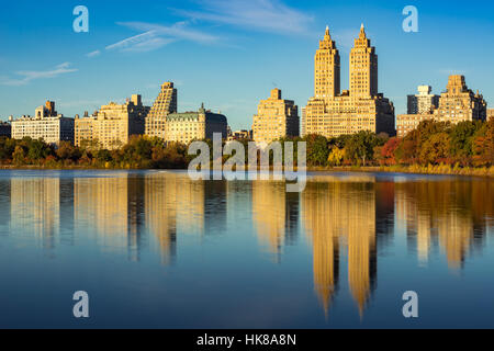 Upper West Side with view of Jacqueline Kennedy Onassis Reservoir and Central Park in Fall. Manhattan, New York - Stock Photo