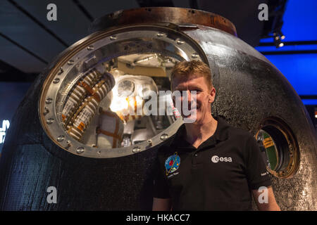 London, UK. 26 January 2017. British astronaut Tim Peake poses with the spacecraft. The Science Museum unveils the - Stock Photo